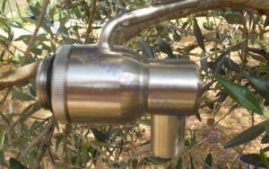 1/2 inch faucet per steel container